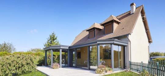 La veranda classique avec volets roulants