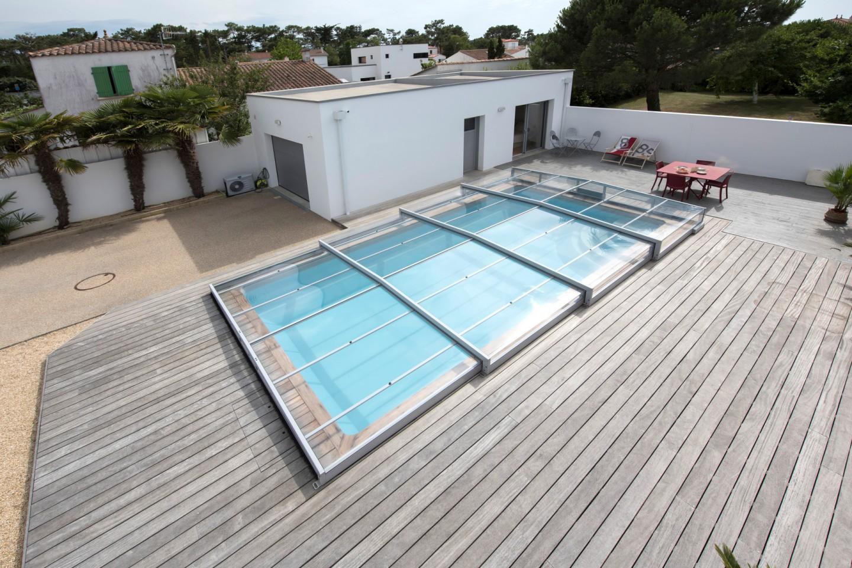 Comment aménager l'espace sous votre abri de piscine ?