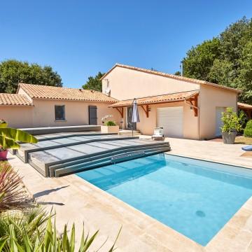 Quels avantages à installer un abri de piscine en tant que professionnel ?