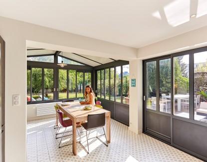 Aménager votre terrasse avec une verrière