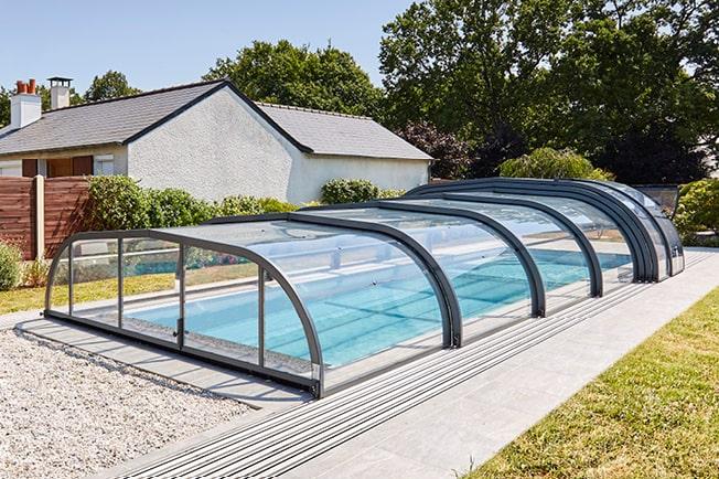 1 – Préserver la température de l'eau de votre piscine