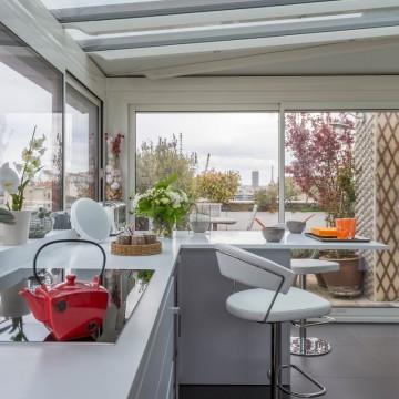 Transformer un balcon en véranda